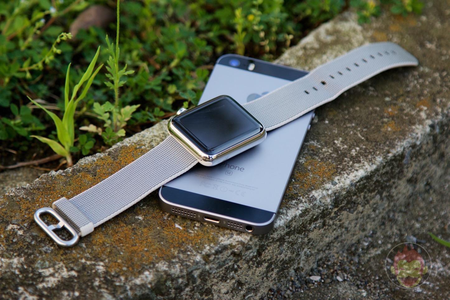 IPhone SE annd apple watch