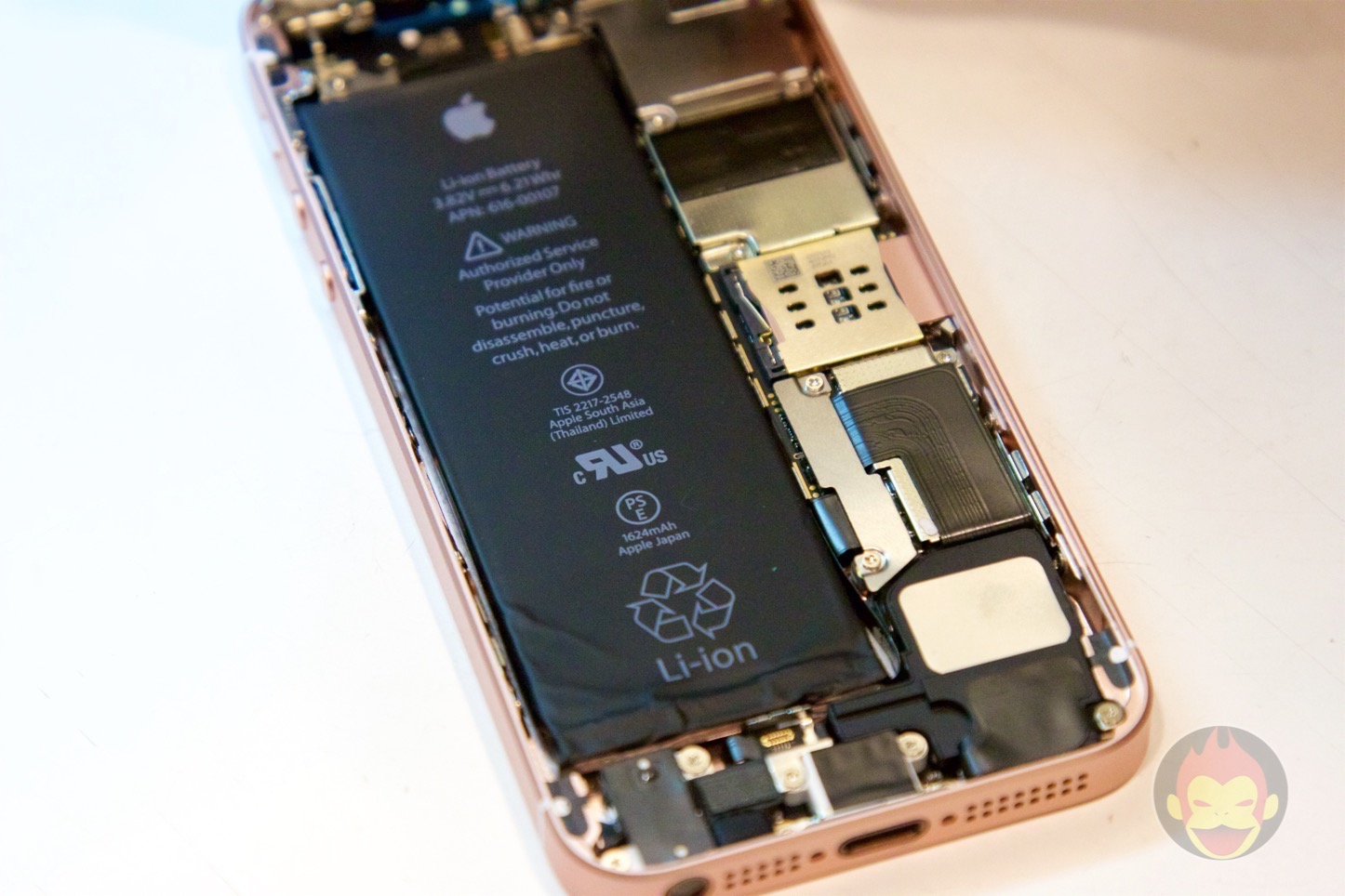iPhone-SE-decompose-06.jpg