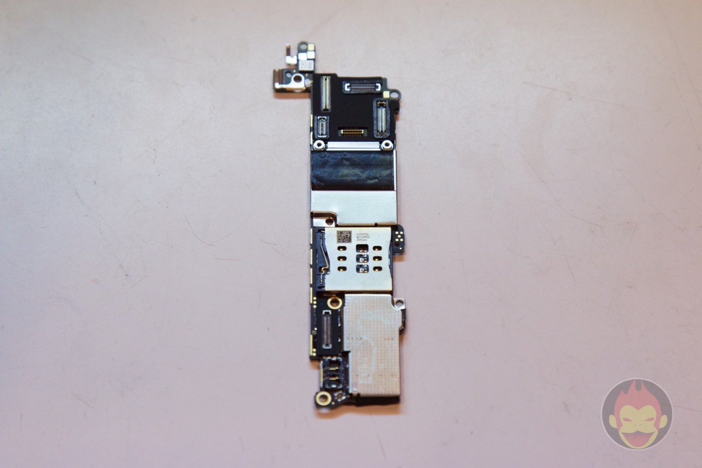 iPhone-SE-decompose-23.jpg