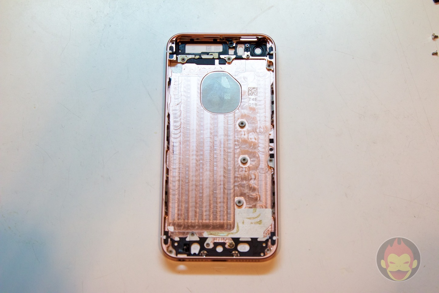 IPhone SE分解レポート
