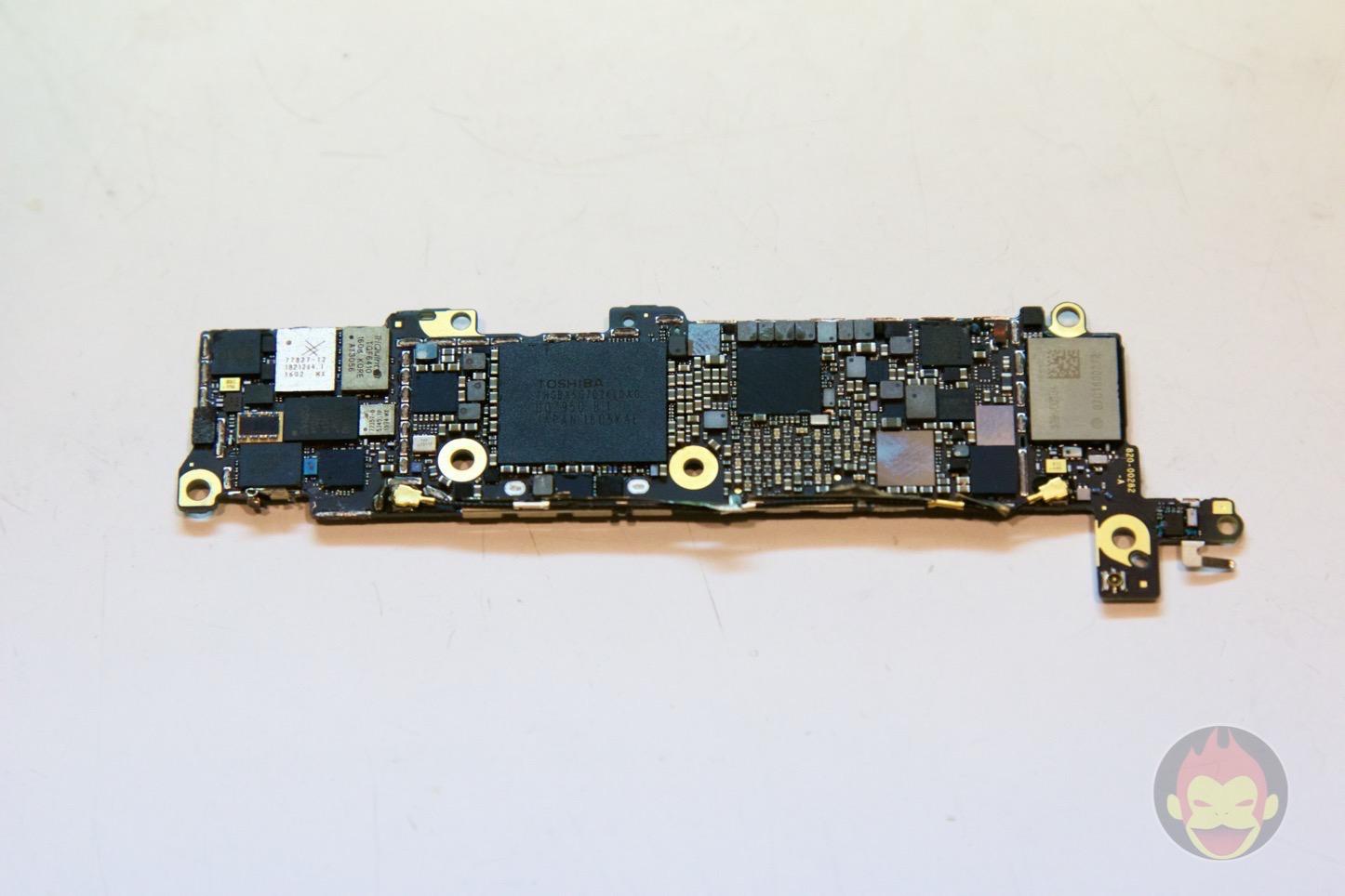 iPhone-SE-decompose-43.jpg