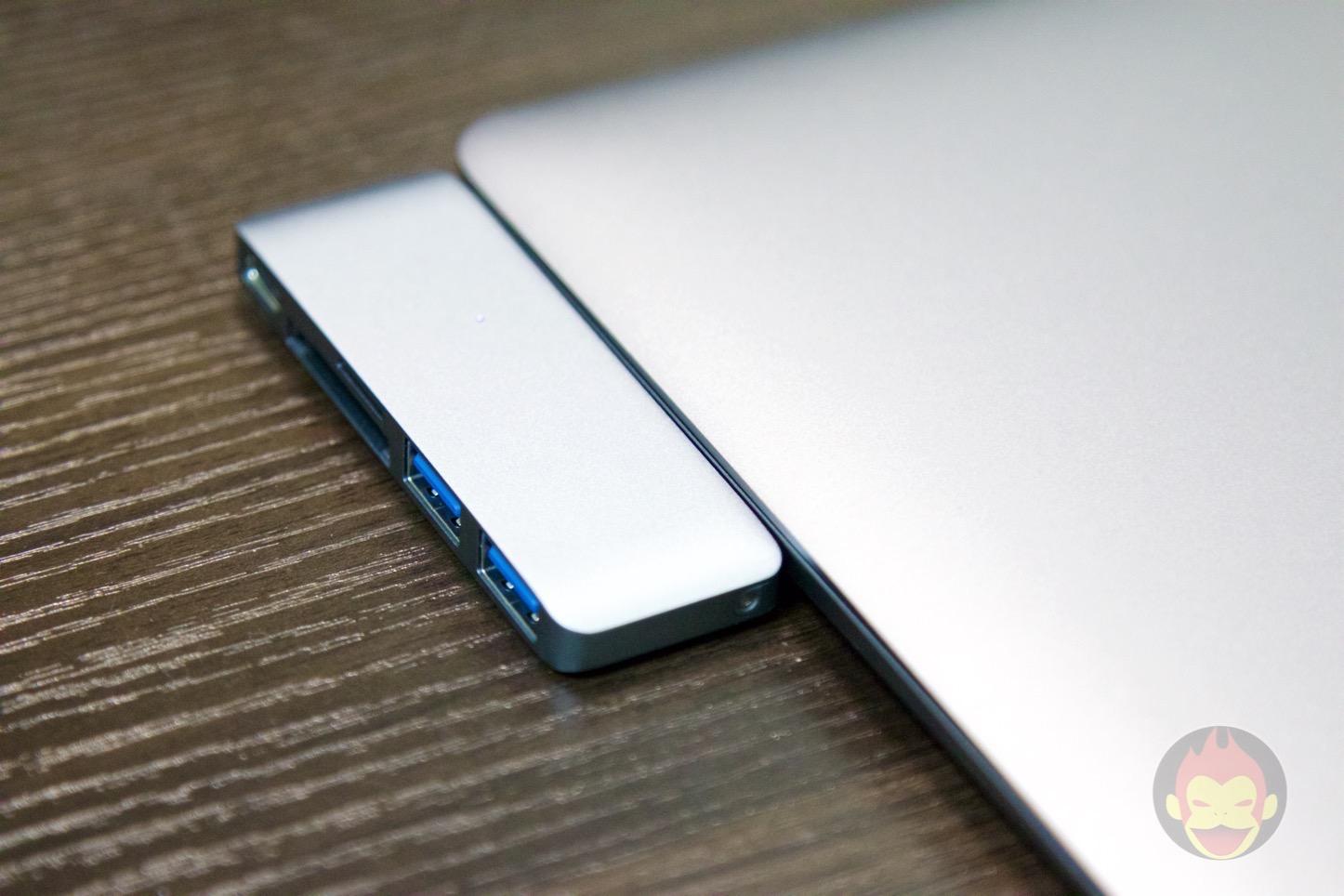 Satechi-MacBook-Type-C-3in1-06.jpg