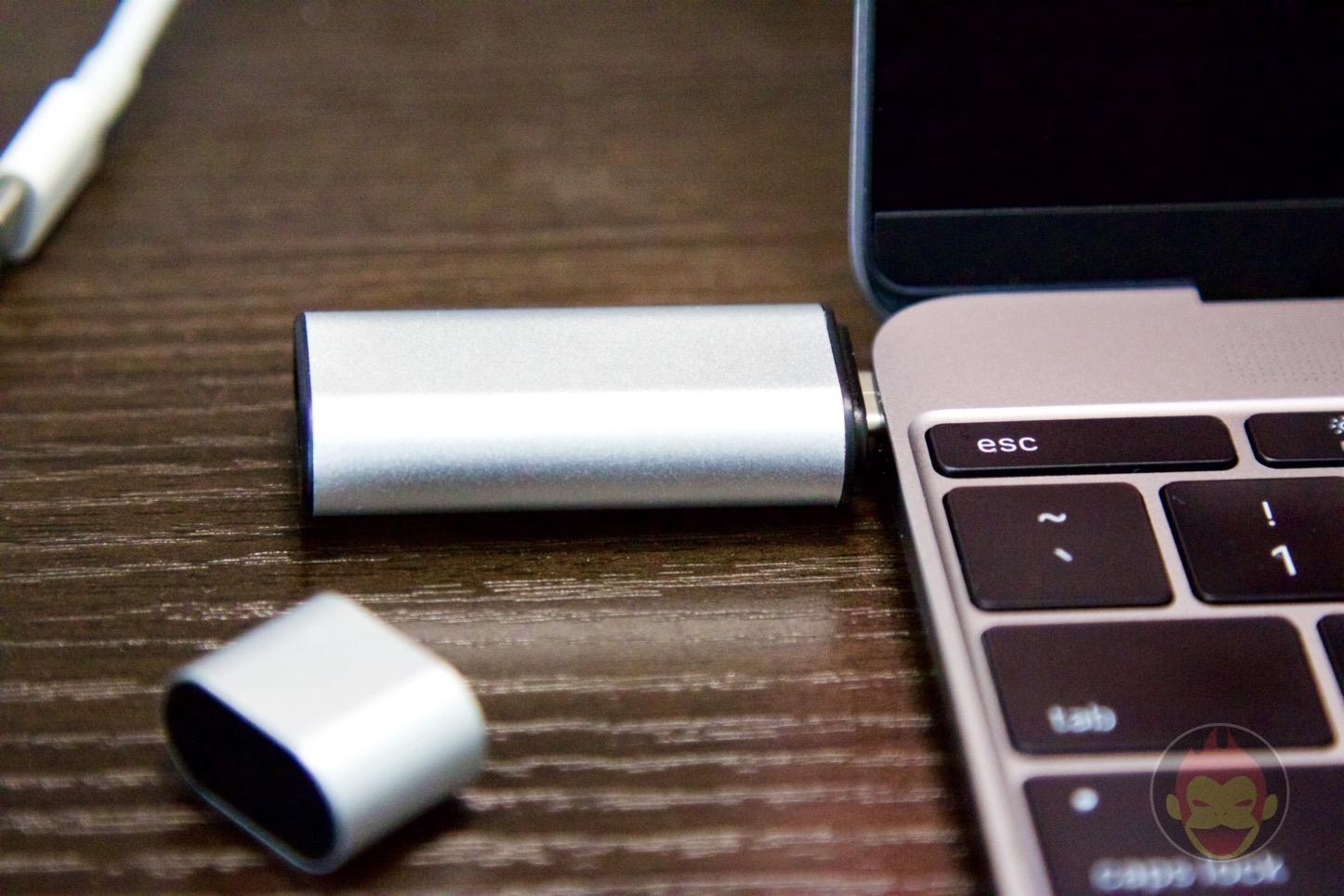 iitrust-MacBook-USB-Adapter-07.jpg
