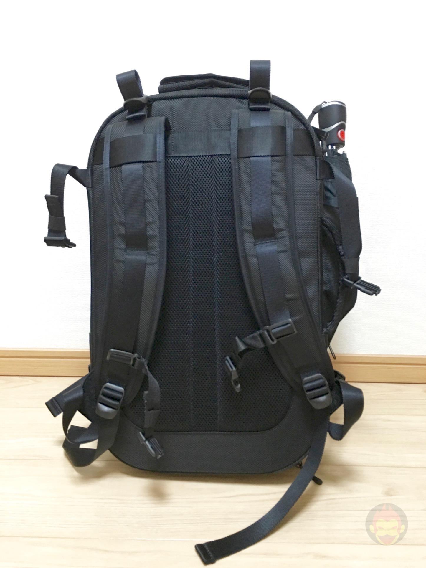 Aer-Travel-BackPack-on-Kickstarter-04.jpg