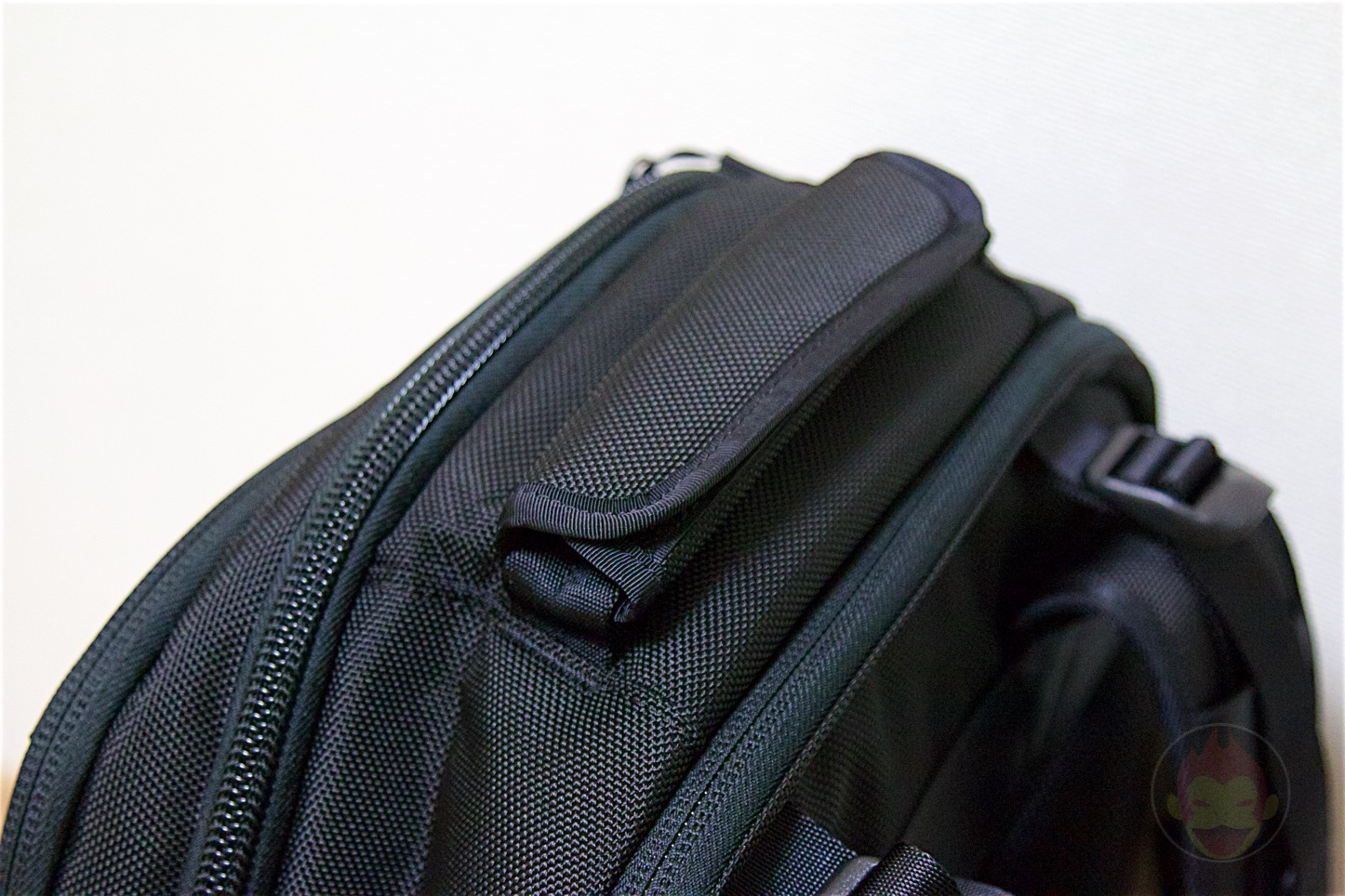 Aer-Travel-BackPack-on-Kickstarter-08.jpg