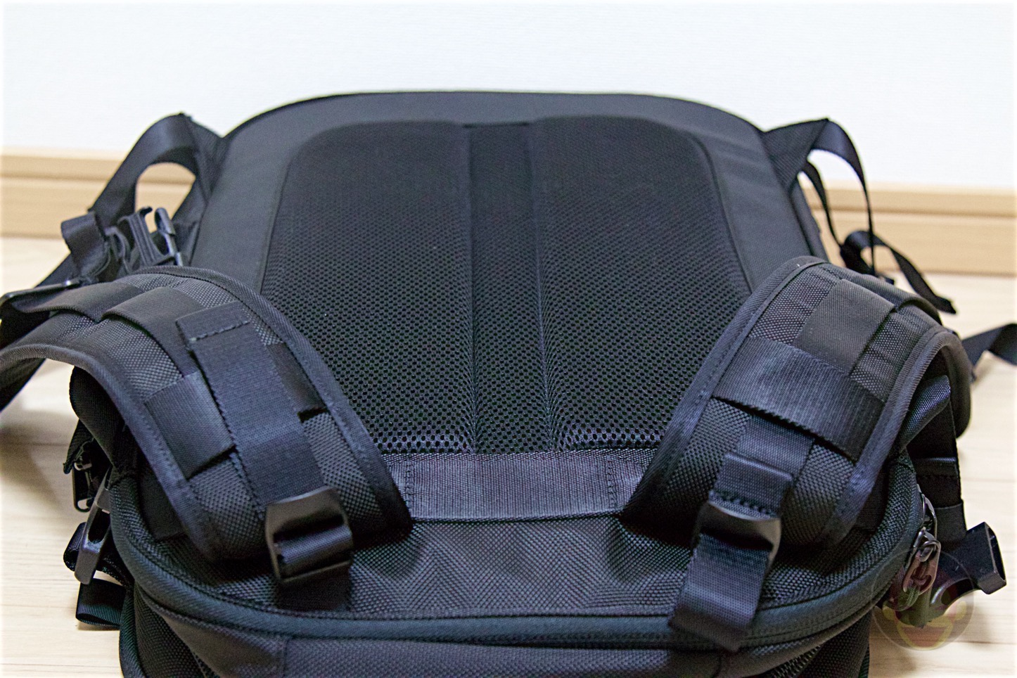 Aer-Travel-BackPack-on-Kickstarter-13.jpg