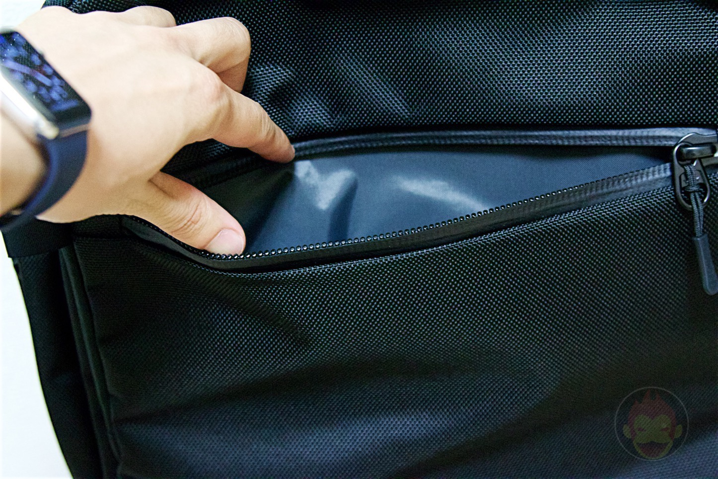 Aer-Travel-BackPack-on-Kickstarter-18.jpg