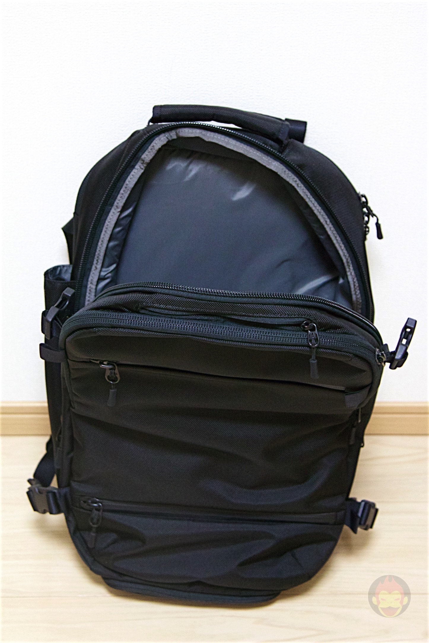 Aer-Travel-BackPack-on-Kickstarter-23.jpg