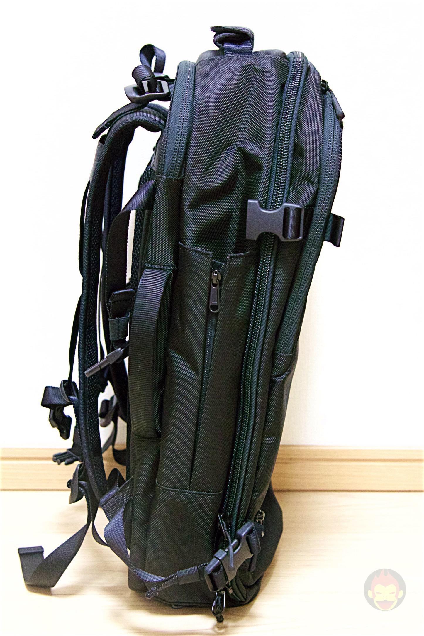Aer-Travel-BackPack-on-Kickstarter-30.jpg