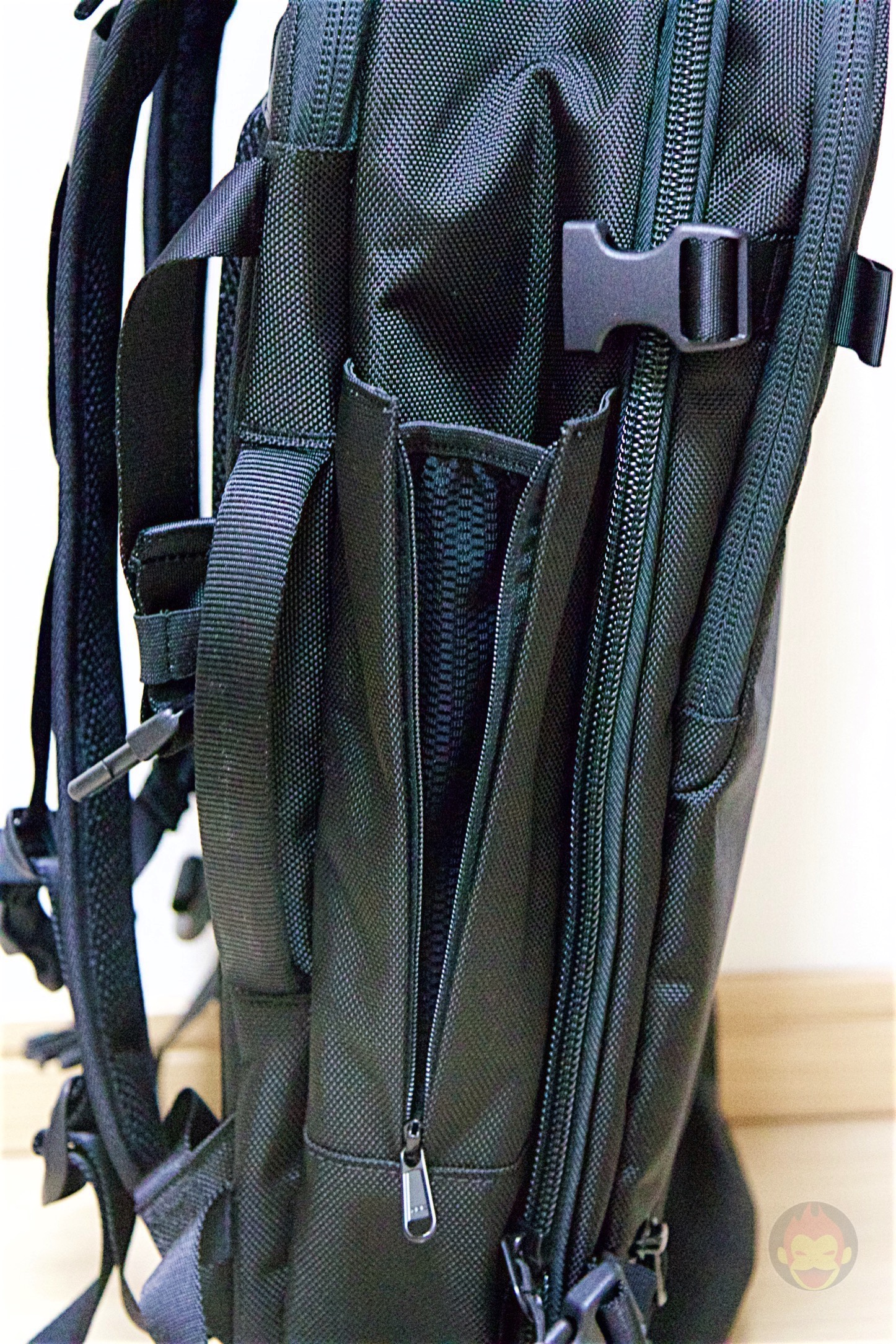 Aer-Travel-BackPack-on-Kickstarter-31.jpg