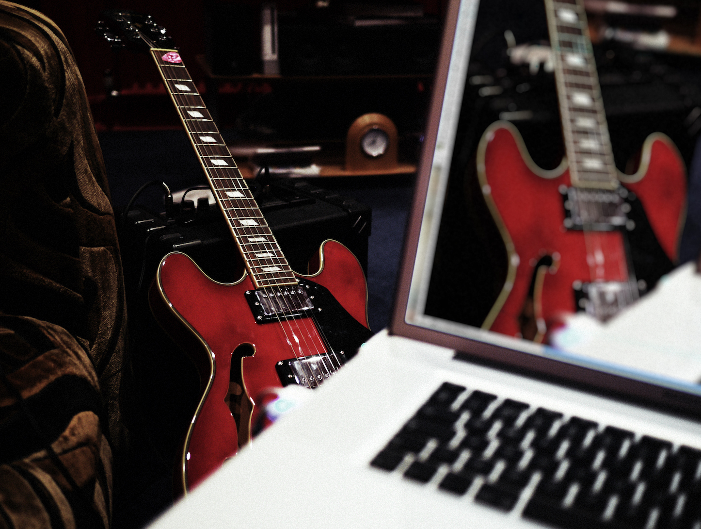 Guitar MacBook