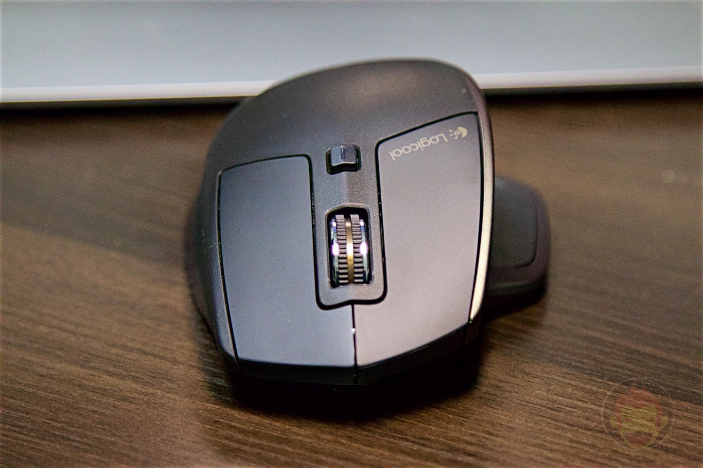 Logicool-MX-Master-Mouse-04.jpg