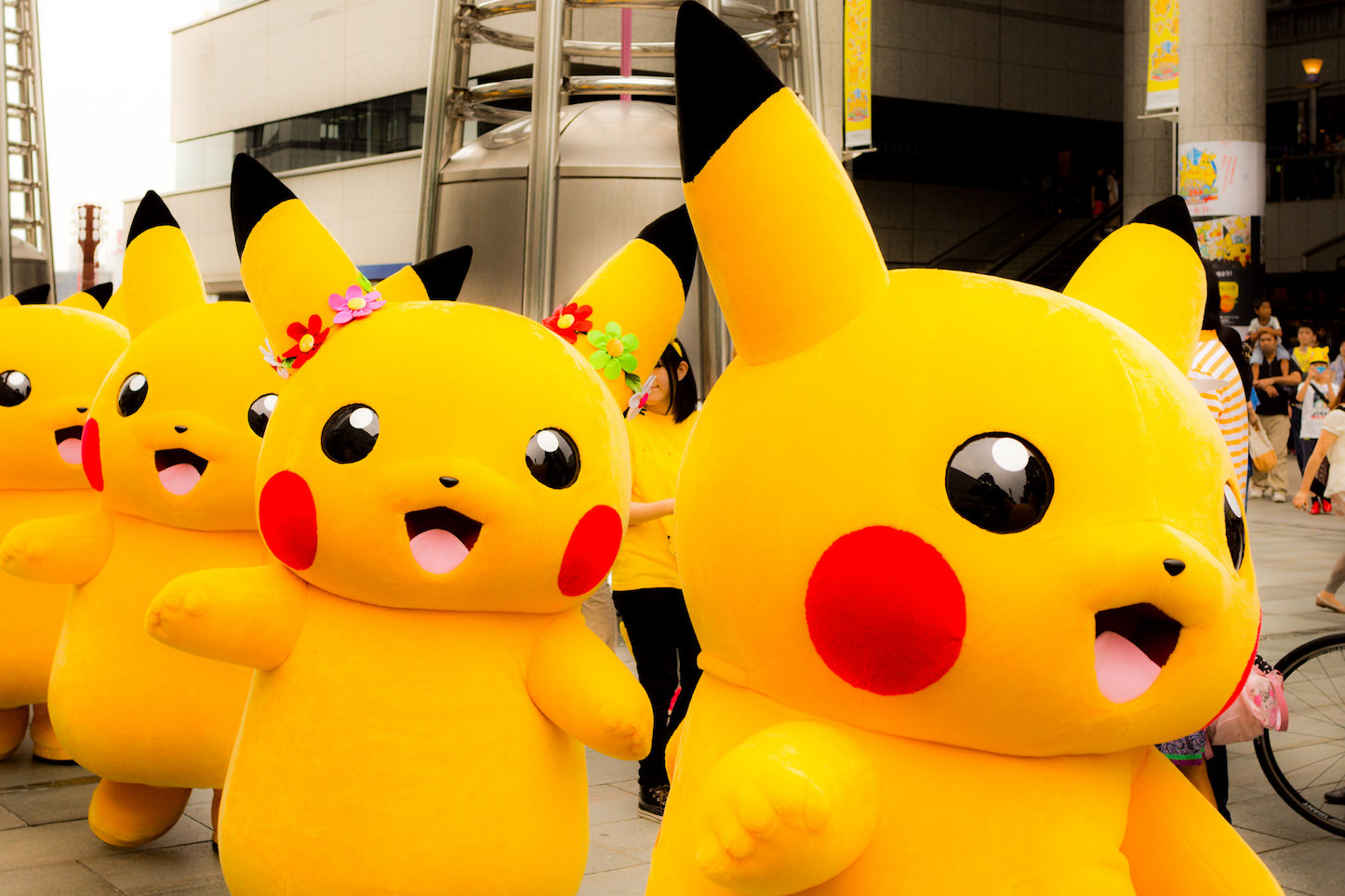 Lots of pikachu walking around
