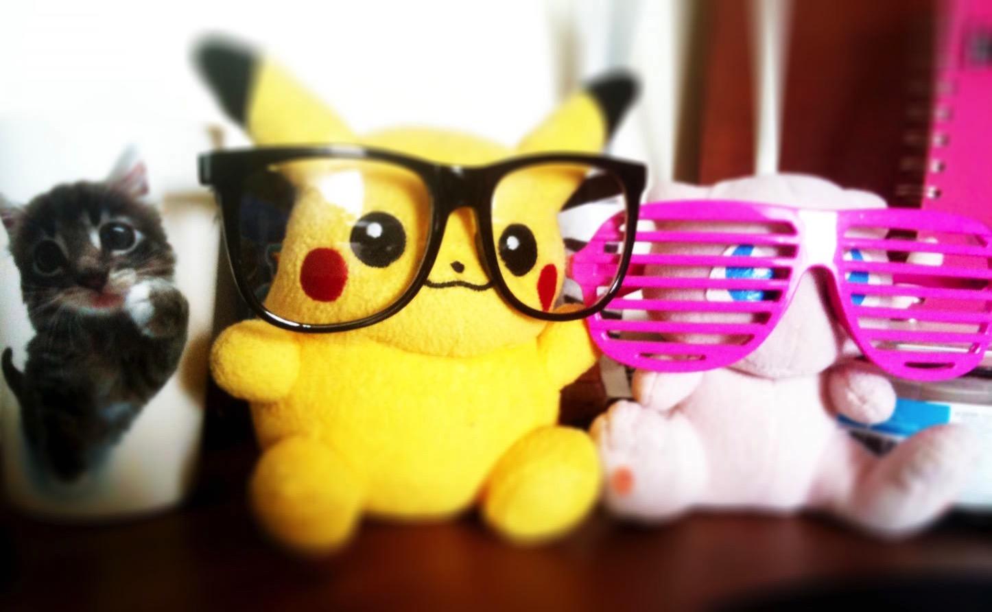 pikachu-wearing-glasses-pokemon.jpg