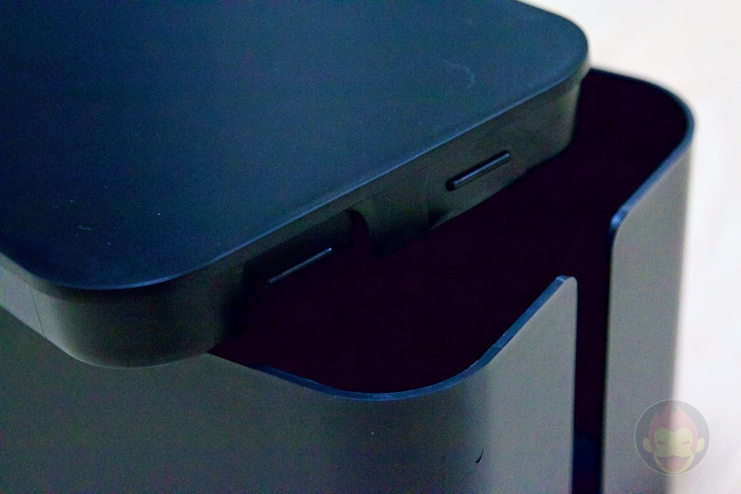 Bluelounge-The-CableBox-07.jpg