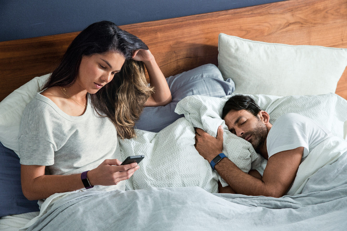 Fitbit Charge 2 Couple Waking Up Lifestyle