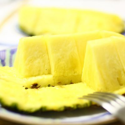 pineapple-photo-cut-ready-to-eat.jpg