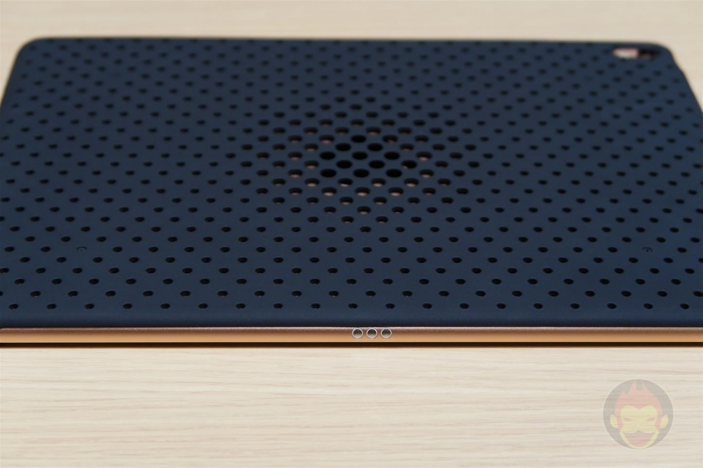 Andmesh-Mesh-Case-for-iPad-Pro-13.jpg