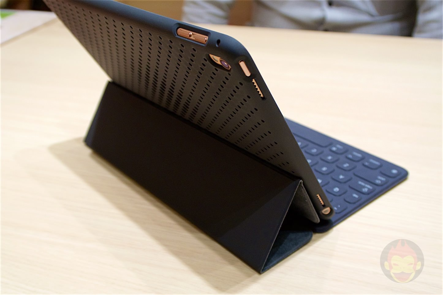 Andmesh Mesh Case for iPad Pro