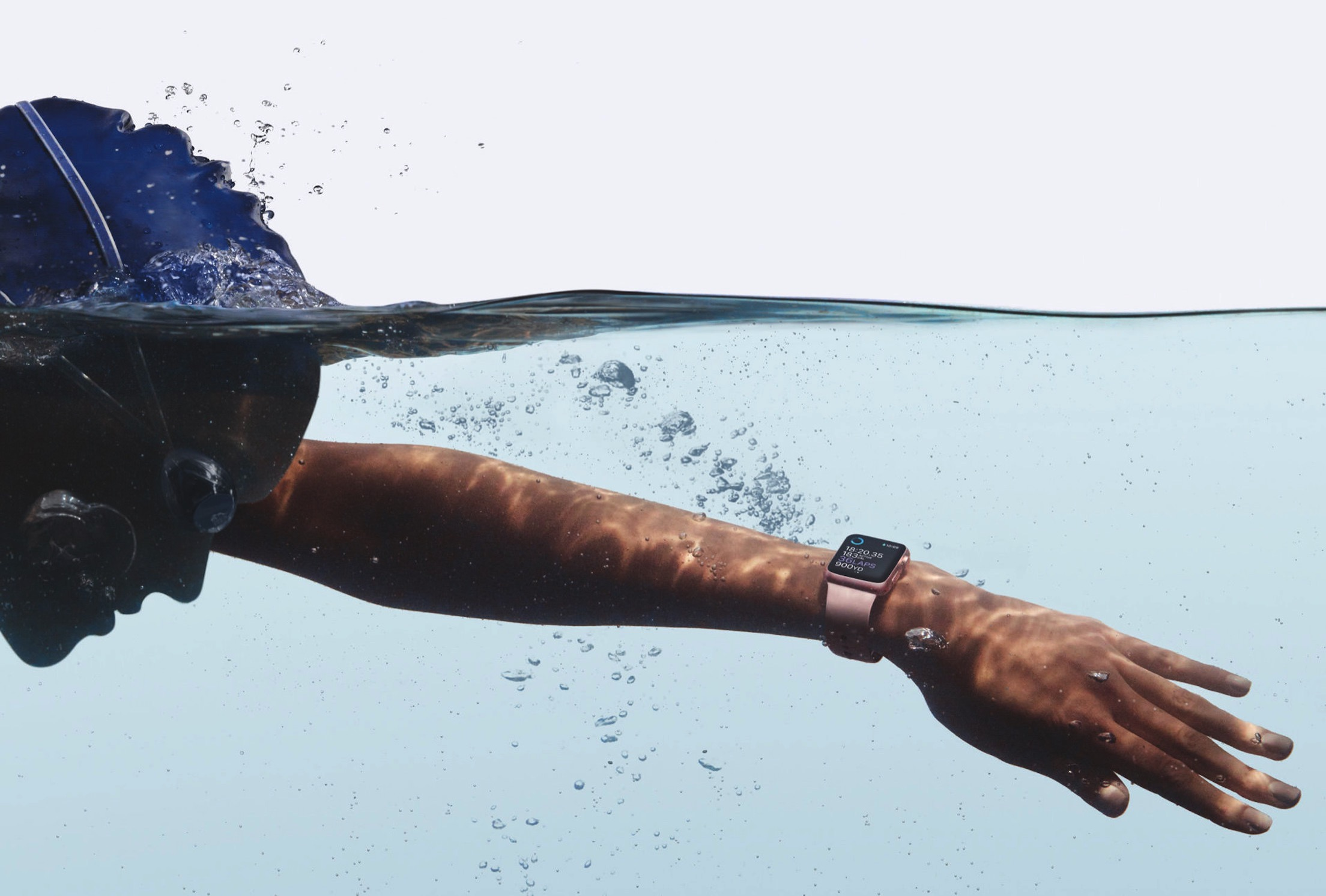 Watch-Lifestyle-Swimming_PR-PRINT.jpg