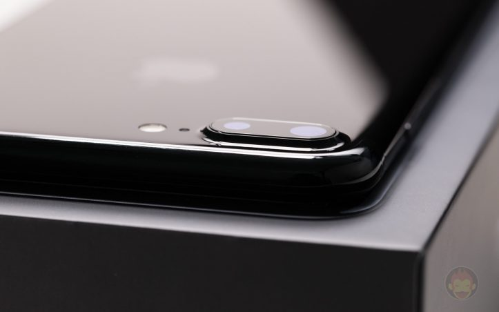 iPhone-7-Plus-Dual-Lens-Camera-01.jpg