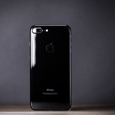 iPhone-7-Plus-Jet-Black-Design-review-08.jpg