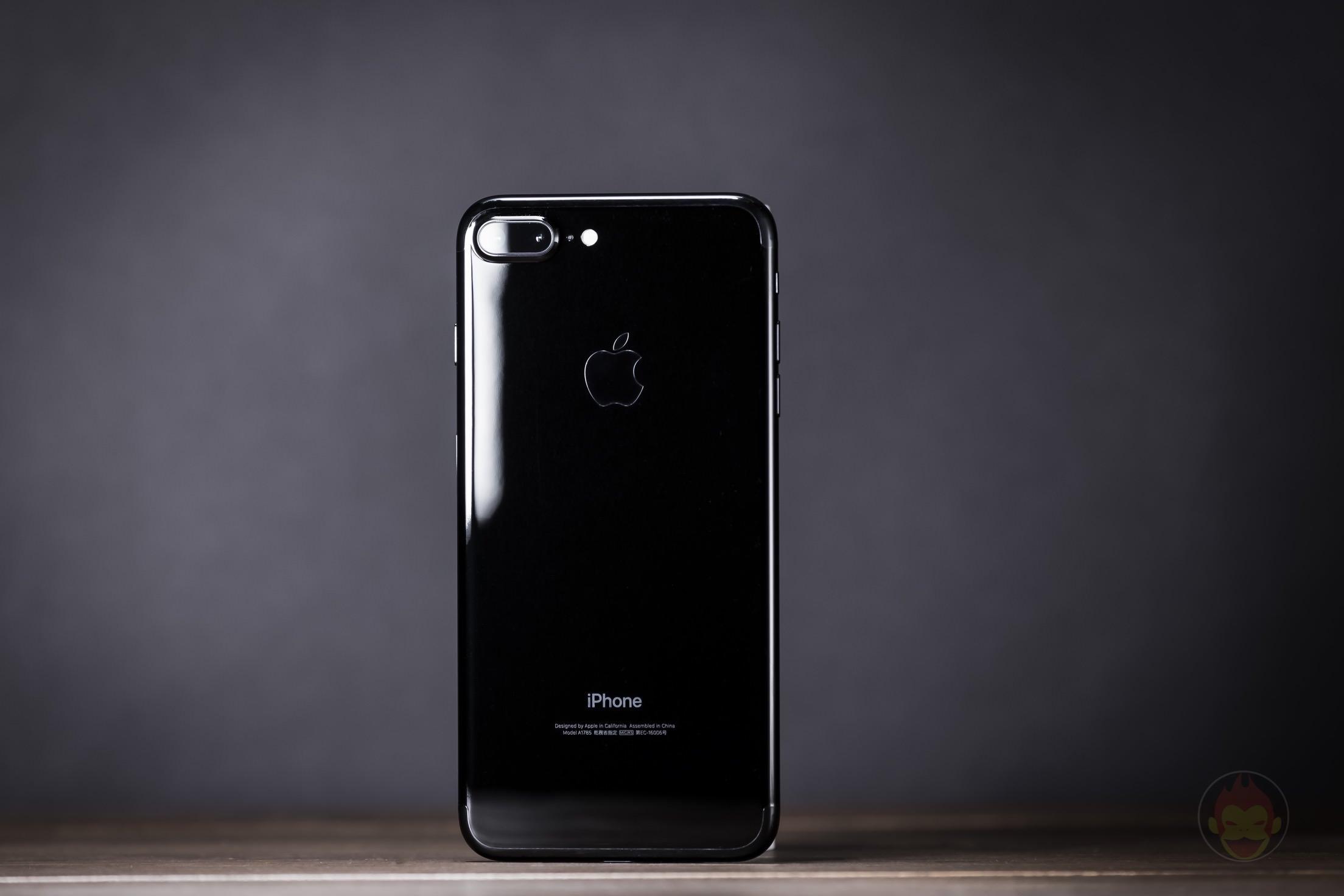 iPhone-7-Plus-Jet-Black-Design-review-08.jpg