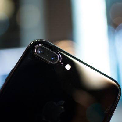 iPhone-7-Plus-Jet-Black-Yusei-02.jpg