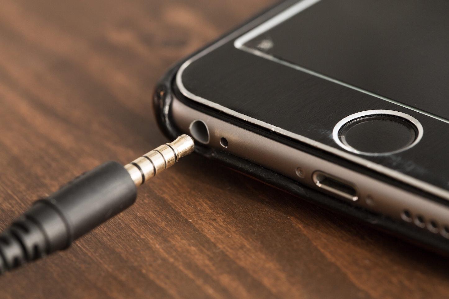 Iphone and headphone jack