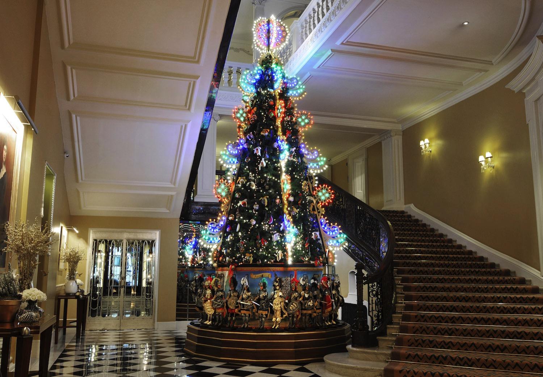Claridges-Christmas-Tree-1.jpg