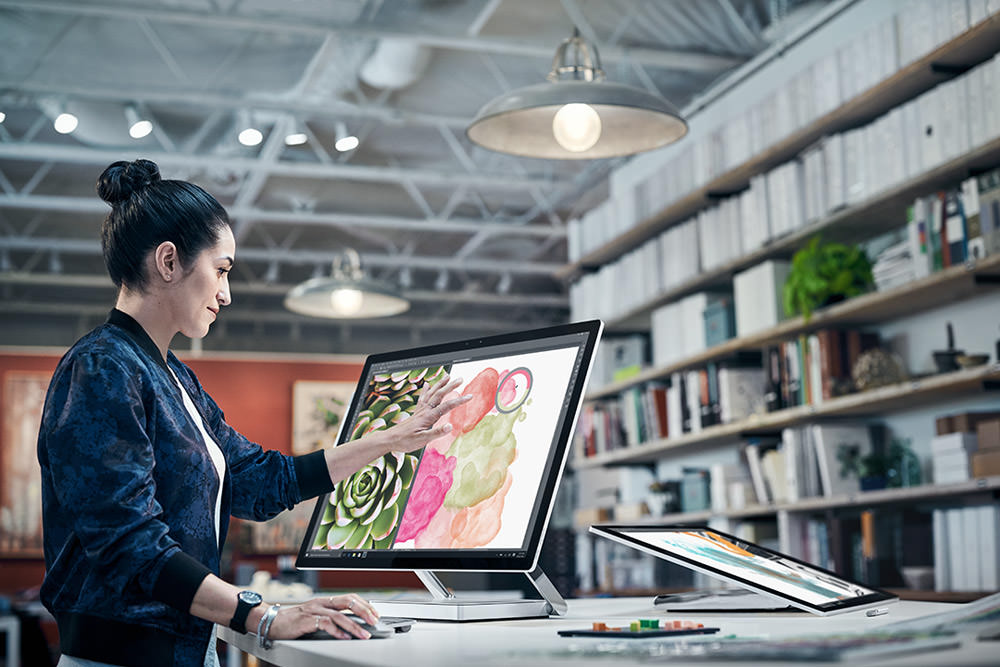 Surface Studio Lifestyle 1 web