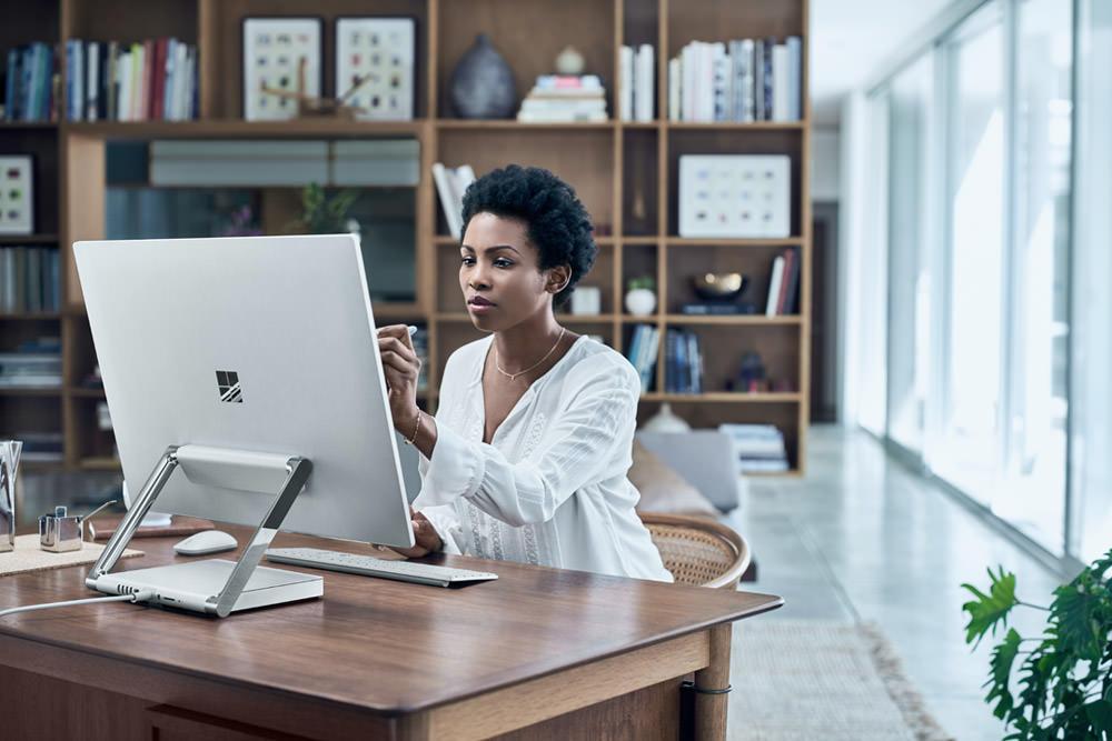 Surface Studio Lifestyle 2 web