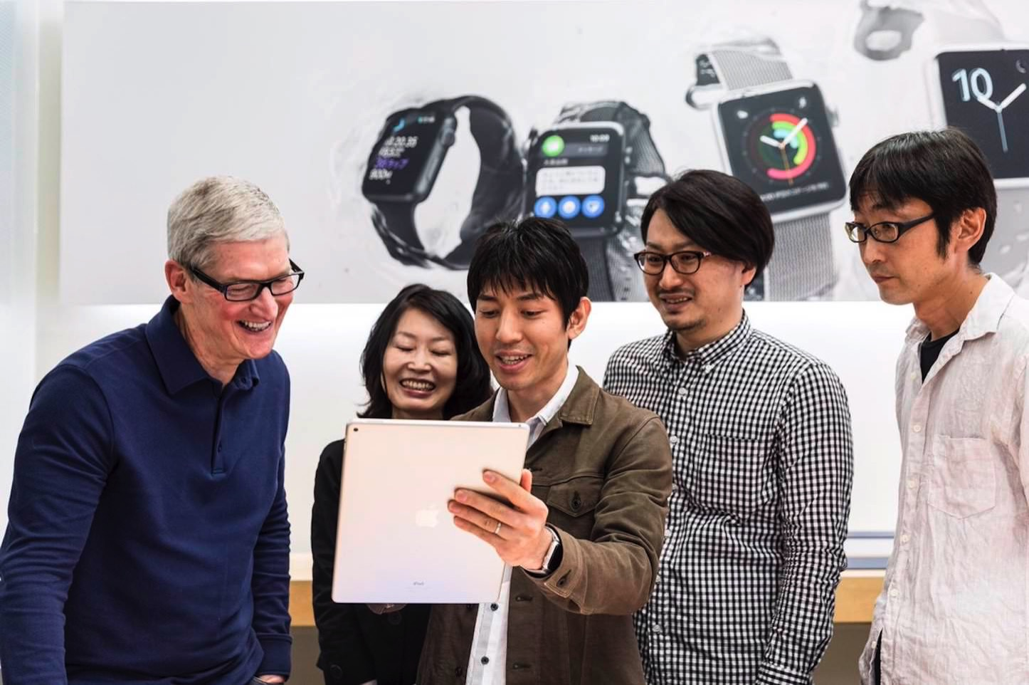 Tim Cook Visiting Apple Stores