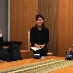 tim-cook-visits-mr-abe.jpg