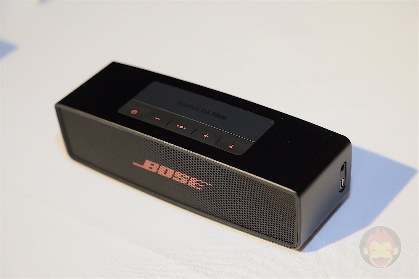 Bose-Soundlink-Mini-2-Black-Copper-05.jpg