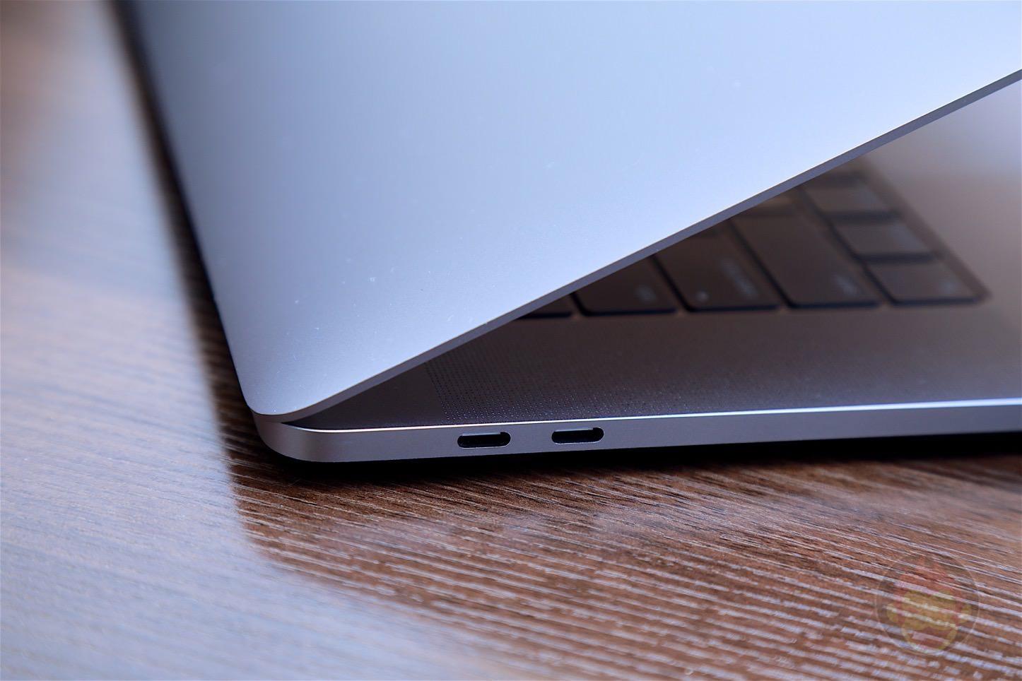 MacBook-Pro-Late-2016-15inch-model-02.jpg