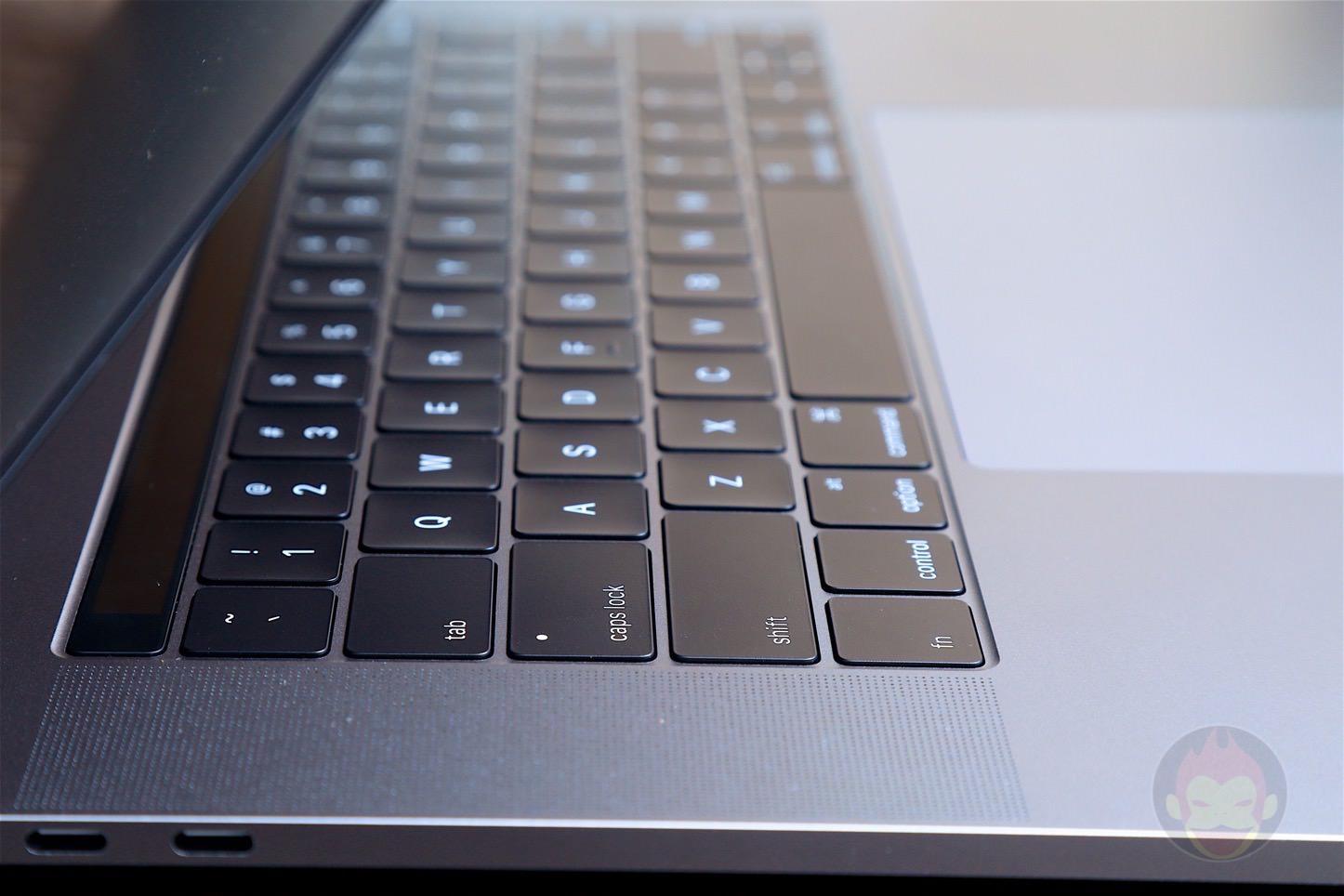 MacBook-Pro-Late-2016-15inch-model-07.jpg