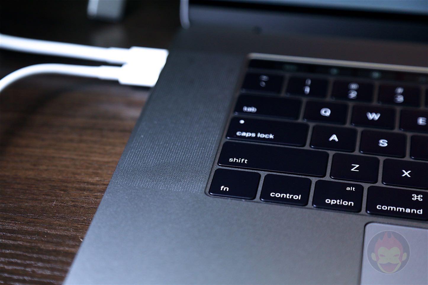15インチ型「MacBook Pro (Late 2016)」Touch Barモデルーーファーストインプレッション