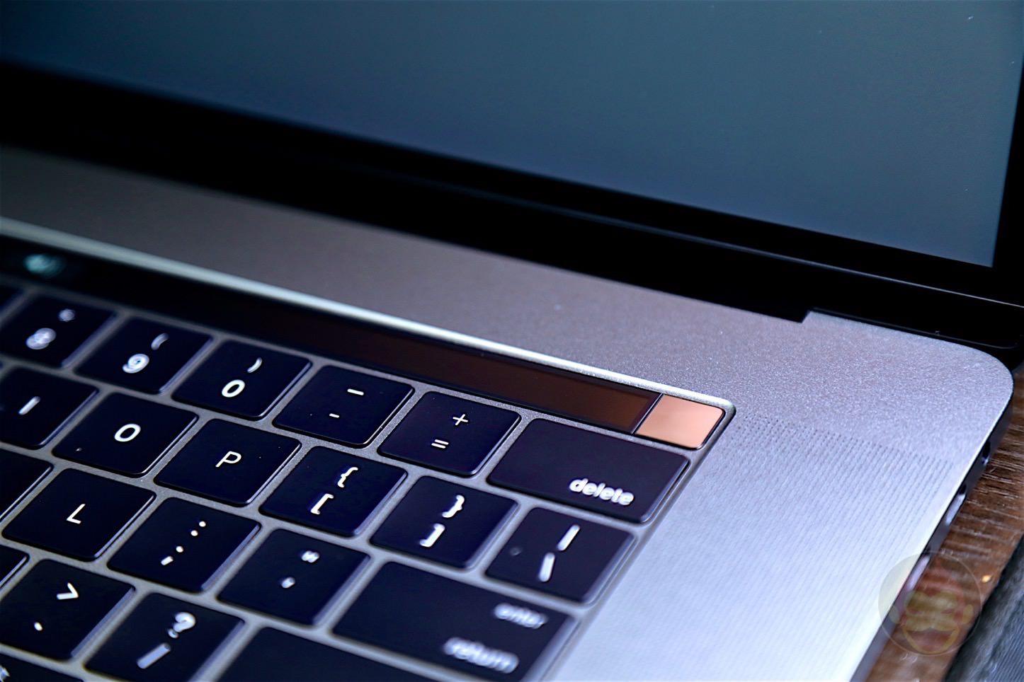 MacBook-Pro-Late-2016-15inch-model-15.jpg
