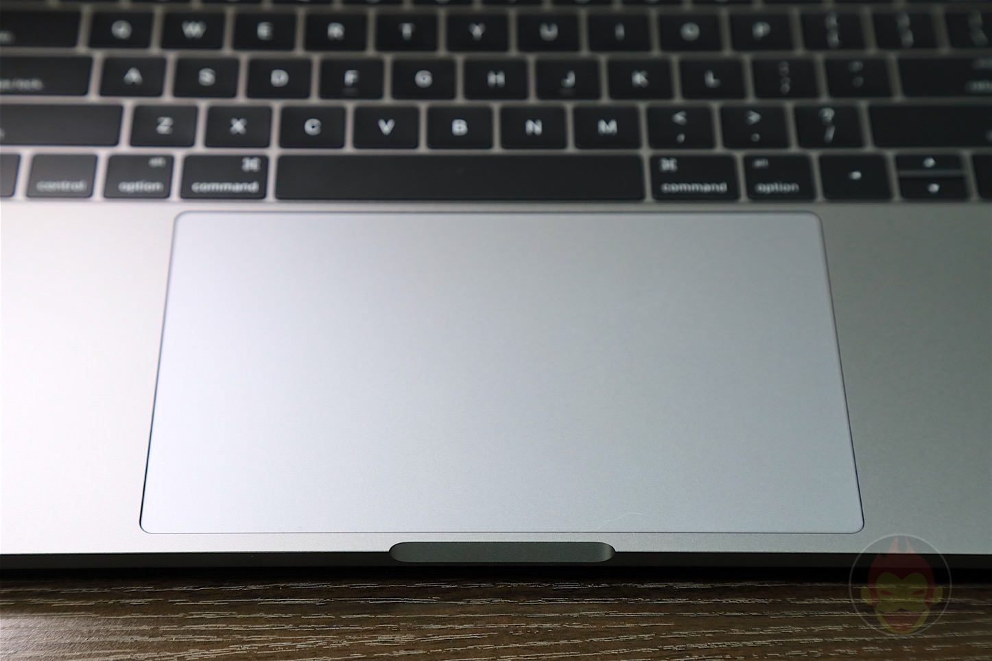 MacBook Pro Late2016 Trackpad 01