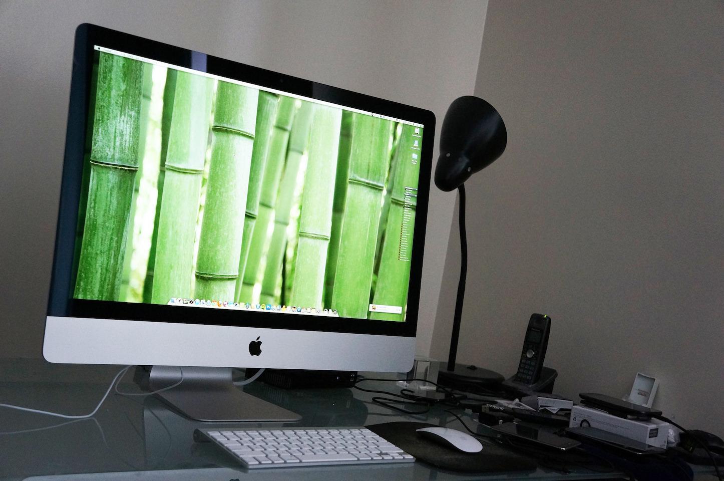 imac-on-a-desk.jpg