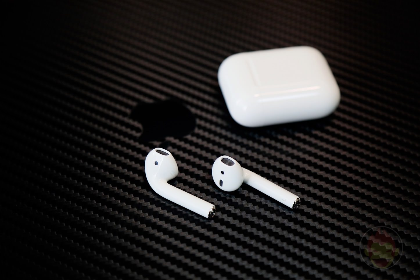Apple-AirPods-Wireless-Earphones-11.jpg