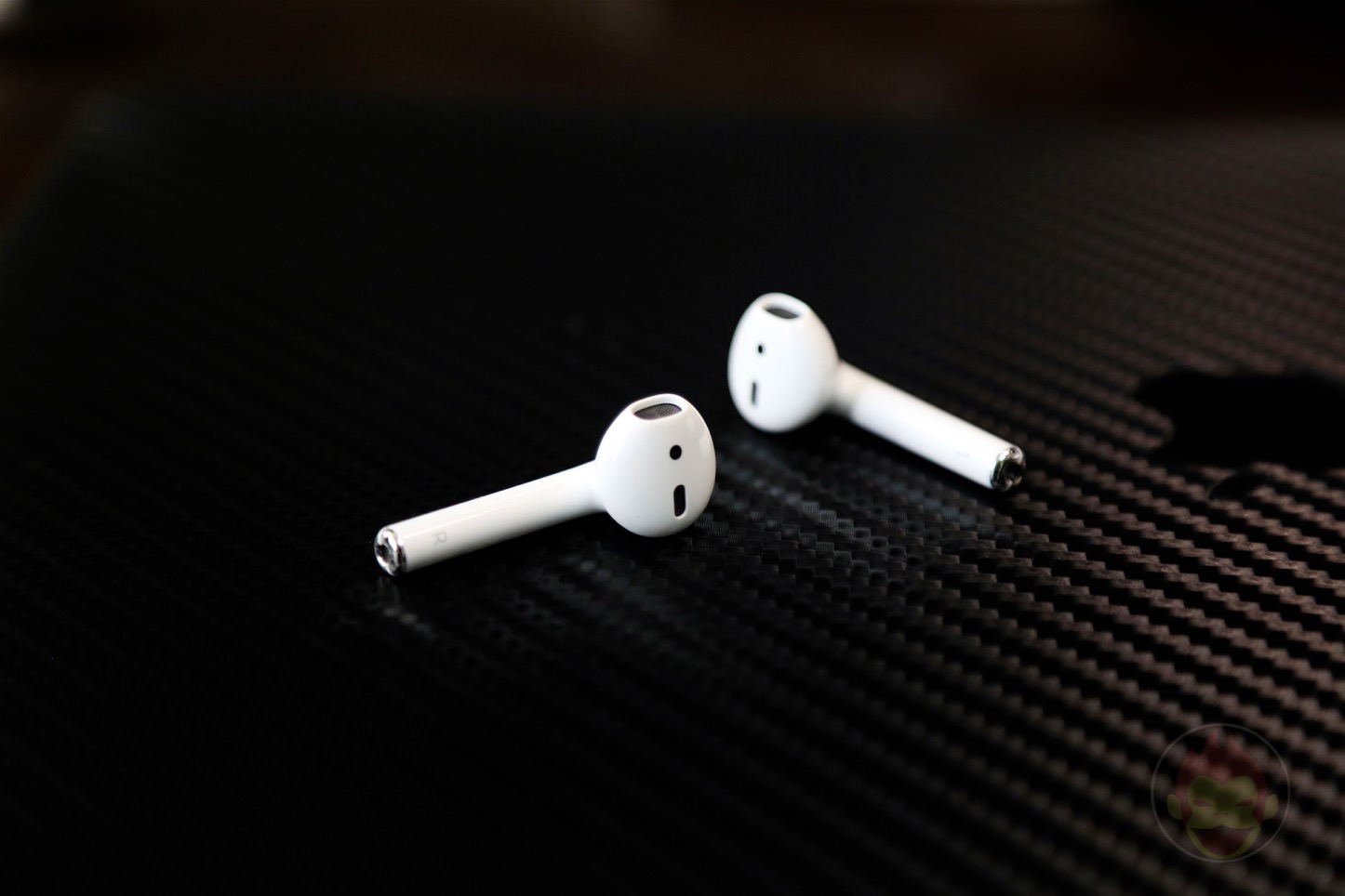 Apple AirPods Wireless Earphones