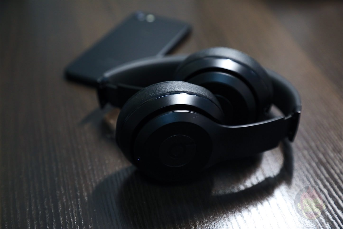 Beats-Solo3-Wireless-Headphones-03.jpg