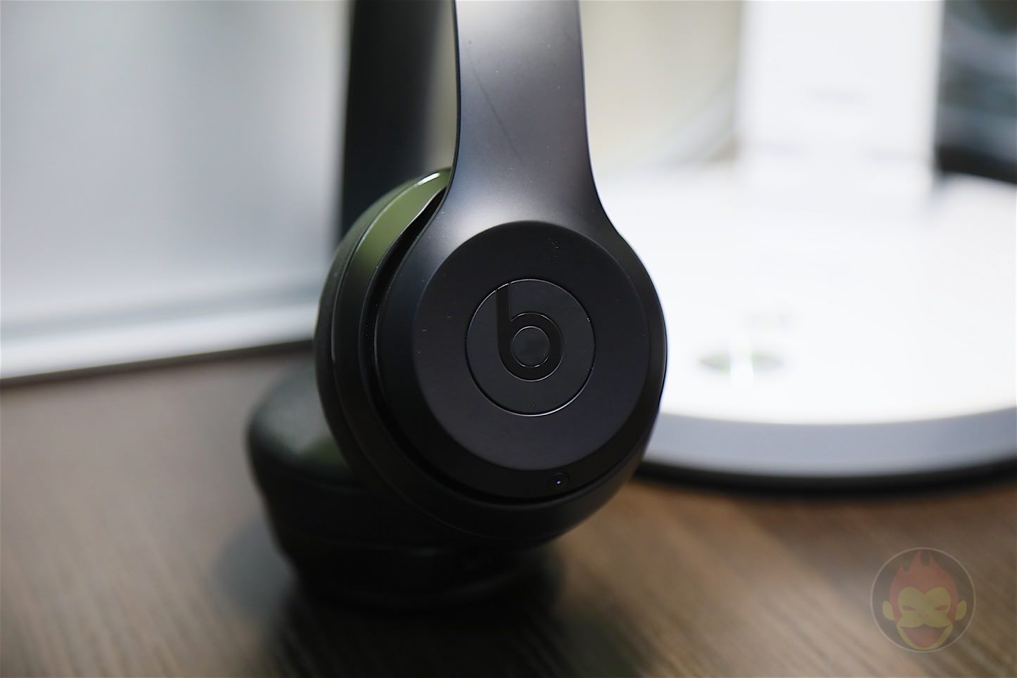 Beats-Solo3-Wireless-Headphones-11.jpg