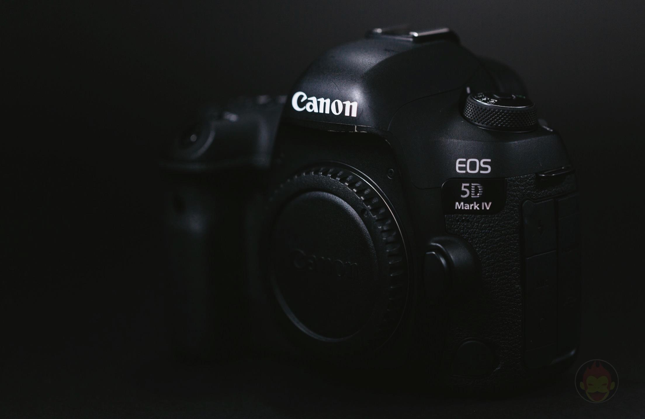 Canon EOS 5D Mark 4 Camera