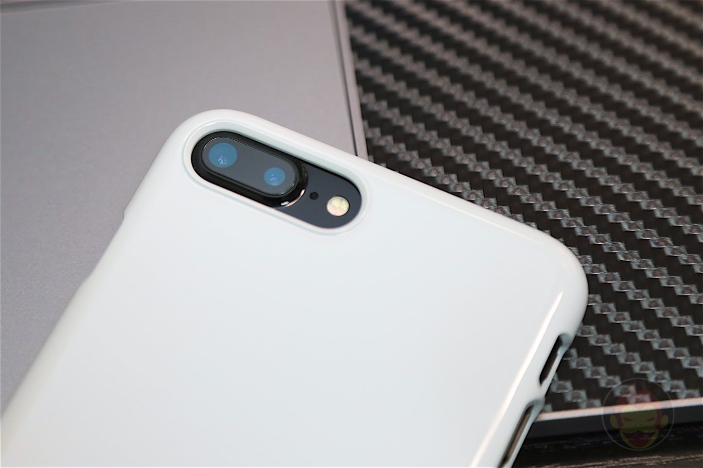 Spigen Jet White Case Review