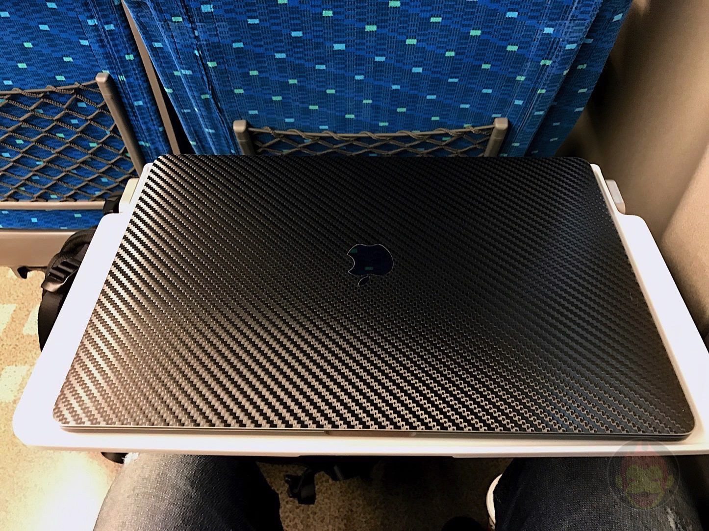 Using-the-MacBookProLate2016-on-Shinkansen-01.jpg