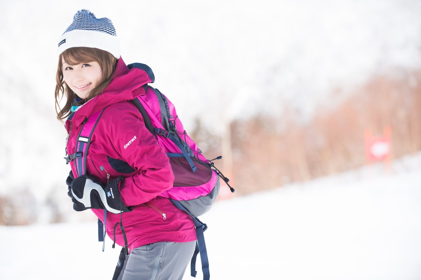 Akane-Saya-in-Hirayu-Onsen-Winter-03.jpg