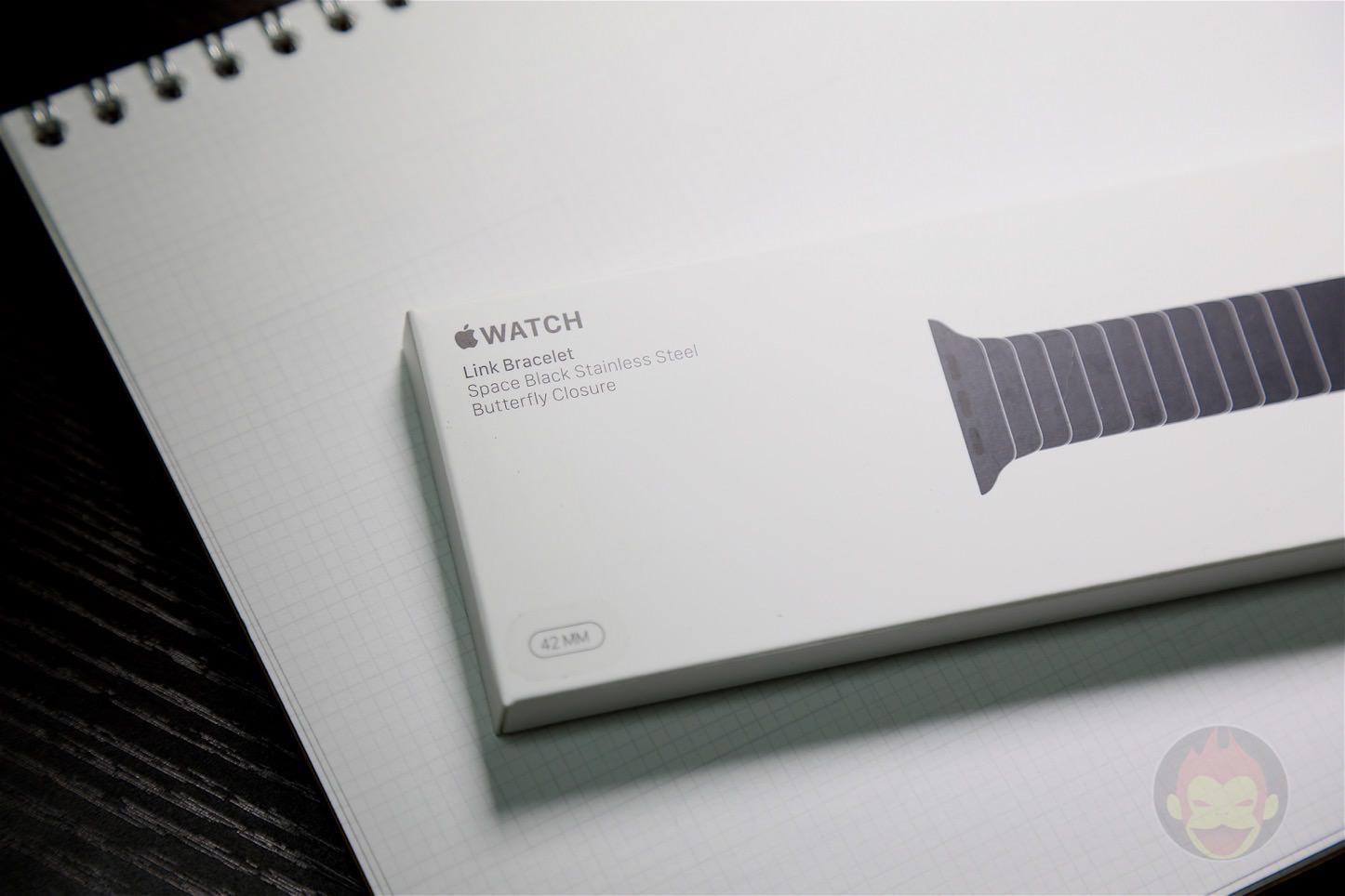 Apple-Link-Bracelet-Black-01.jpg